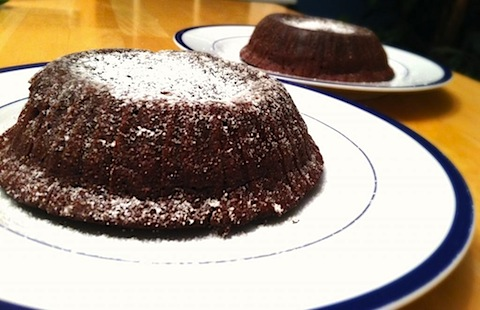 molten lava cake 1.jpg